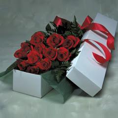 Bayburt online çiçek gönderme sipariş  11 adet gülden kutu