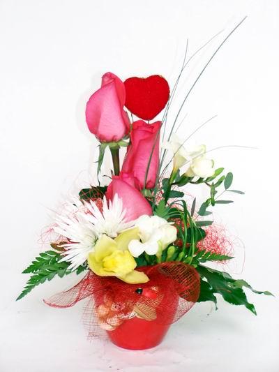 Bayburt ucuz çiçek gönder  cam içerisinde 3 adet gül ve kir çiçekleri