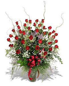 Bayburt çiçek siparişi sitesi  33 adet kirmizi gül vazo içerisinde