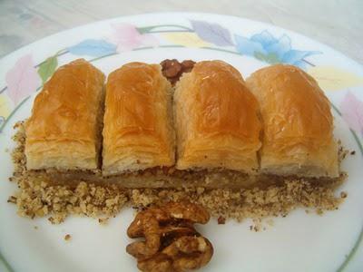 online pastane Essiz lezzette 1 kilo cevizli baklava  Bayburt cicek , cicekci