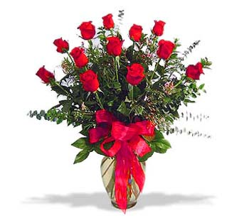 çiçek siparisi 11 adet kirmizi gül cam vazo  Bayburt online çiçek gönderme sipariş
