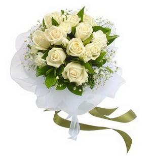 Bayburt online çiçekçi , çiçek siparişi  11 adet benbeyaz güllerden buket