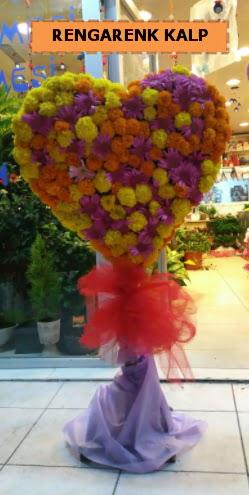 Ankara mevsim çiçeklerinden kalp perförje  Bayburt çiçekçi telefonları