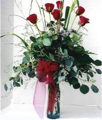 Bayburt çiçek siparişi sitesi  7 adet gül özel bir tanzim
