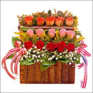 sandikta 3 kat güllerden   Bayburt cicekciler , cicek siparisi