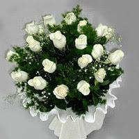 Bayburt hediye çiçek yolla  11 adet beyaz gül buketi ve bembeyaz amnbalaj