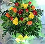 13 adet karisik gül buketi demeti   Bayburt uluslararası çiçek gönderme
