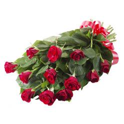 11 adet kirmizi gül buketi  Bayburt yurtiçi ve yurtdışı çiçek siparişi