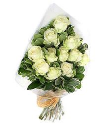 Bayburt online çiçekçi , çiçek siparişi  12 li beyaz gül buketi.