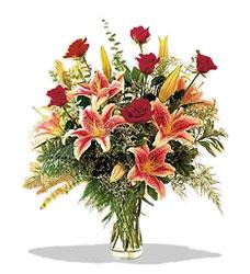 Bayburt çiçek servisi , çiçekçi adresleri  Pembe Lilyum ve Gül