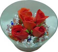 Bayburt 14 şubat sevgililer günü çiçek  5 adet gül ve cam tanzimde çiçekler