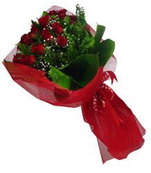 Bayburt çiçek gönderme sitemiz güvenlidir  10 adet kirmizi gül demeti