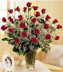 Bayburt çiçek , çiçekçi , çiçekçilik  özel günler için 12 adet kirmizi gül