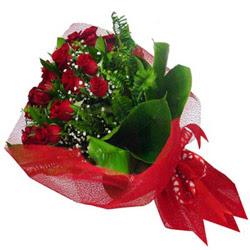 Bayburt kaliteli taze ve ucuz çiçekler  12 adet kirmizi essiz gül buketi - SEVENE ÖZEL