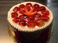 Meyvali yas pasta 4 ile 6 kisilik pasta  Bayburt çiçek siparişi sitesi