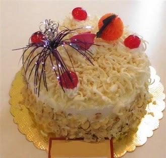 pasta siparisi 4 ile 6 kisilik yaspasta mis lezzette  Bayburt çiçekçi telefonları