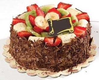 pastaci firmasindan 4 ile 6 kisilik çikolata meyvali yaspasta  Bayburt çiçek siparişi sitesi