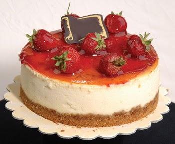 online pastaci 4 ile 6 kisilik yas pasta çilekli  Bayburt çiçek siparişi sitesi