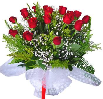 11 adet gösterisli kirmizi gül buketi  Bayburt internetten çiçek satışı