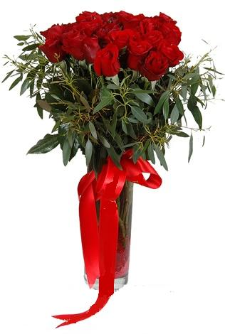 15 adet kirmizi gül cam vazo içerisinde  Bayburt internetten çiçek satışı