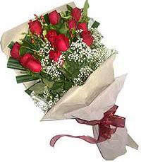 11 adet kirmizi güllerden özel buket  Bayburt internetten çiçek siparişi