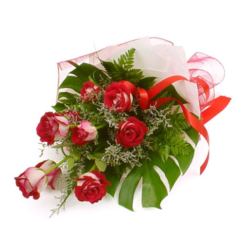 çiçek gönder 7 adet kirmizi gül buketi  Bayburt kaliteli taze ve ucuz çiçekler