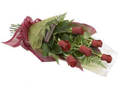 ucuz çiçek siparisi 6 adet kirmizi gül buket  Bayburt çiçek siparişi sitesi