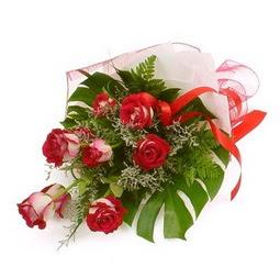 Çiçek gönder 9 adet kirmizi gül buketi  Bayburt çiçek siparişi vermek