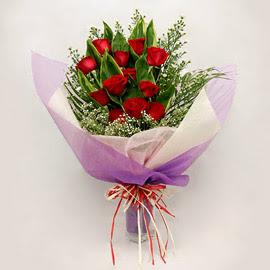 çiçekçi dükkanindan 11 adet gül buket  Bayburt çiçekçi mağazası