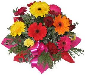 Karisik mevsim çiçeklerinden buket  Bayburt hediye sevgilime hediye çiçek
