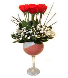 Bayburt çiçekçiler  cam kadeh içinde 7 adet kirmizi gül çiçek