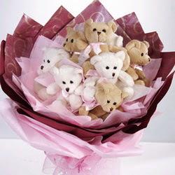 9 adet ayiciktan buket  Bayburt internetten çiçek siparişi