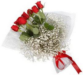 7 adet essiz kalitede kirmizi gül buketi  Bayburt hediye sevgilime hediye çiçek