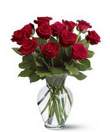 Bayburt çiçek gönderme sitemiz güvenlidir  cam yada mika vazoda 10 kirmizi gül
