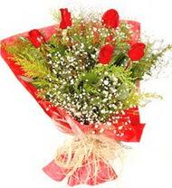 Bayburt anneler günü çiçek yolla  5 adet kirmizi gül buketi demeti