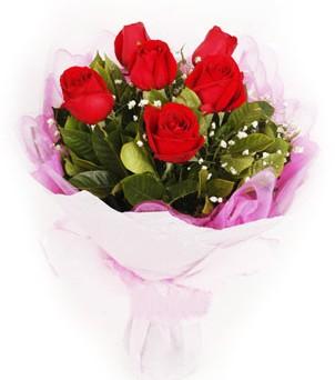 Bayburt hediye sevgilime hediye çiçek  kırmızı 6 adet gülden buket