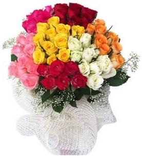 Bayburt çiçekçi telefonları  51 adet farklı renklerde gül buketi