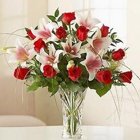 Bayburt çiçek mağazası , çiçekçi adresleri  12 adet kırmızı gül 1 dal kazablanka çiçeği