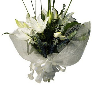 Bayburt çiçekçi mağazası  2 dal kazablanka çiçek buketi
