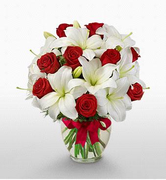 Bayburt hediye çiçek yolla  1 dal kazablanka 11 adet kırmızı gül vazosu