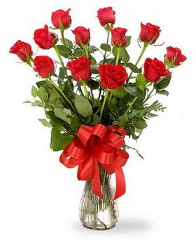 Bayburt çiçek , çiçekçi , çiçekçilik  12 adet kırmızı güllerden vazo tanzimi