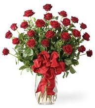 Sevgilime sıradışı hediye güller 24 gül  Bayburt 14 şubat sevgililer günü çiçek