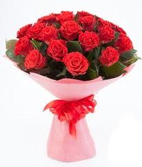 15 adet kırmızı gülden buket tanzimi  Bayburt çiçek siparişi sitesi