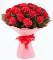 12 adet kırmızı gül buketi  Bayburt çiçek siparişi sitesi