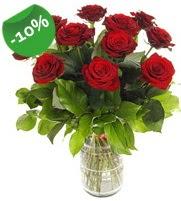 11 adet vazo içerisinde kırmızı gül  Bayburt online çiçek gönderme sipariş