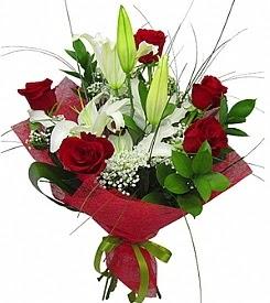 1 dal kazablanka 5 kırmızı gül buketi  Bayburt kaliteli taze ve ucuz çiçekler