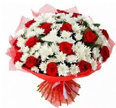 11 adet kırmızı gül ve 1 demet krizantem  Bayburt çiçek mağazası , çiçekçi adresleri