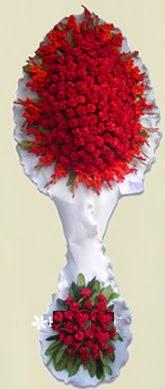 Çift katlı kıpkırmızı düğün açılış çiçeği  Bayburt anneler günü çiçek yolla