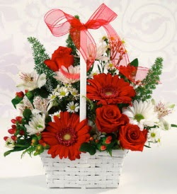 Karışık rengarenk mevsim çiçek sepeti  Bayburt internetten çiçek siparişi
