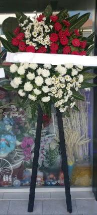 Cenaze çiçeği cenaze çiçek modelleri  Bayburt çiçek siparişi sitesi